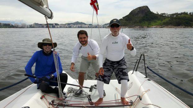 """Velejadores de Brasília participam da regata """"Volta do Pepê"""" no ICRJ"""